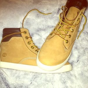 Timberland boots super cute only worn twice